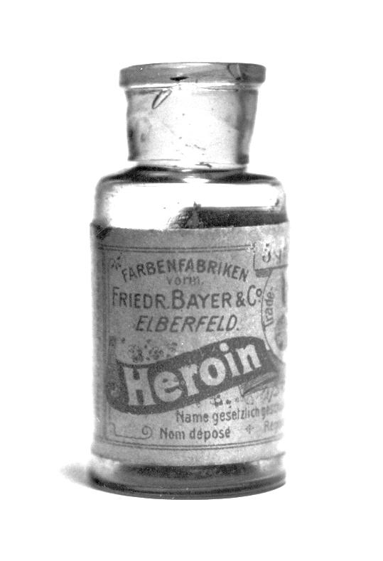 Pre-war Bayer heroin bottle, originally containing 5 grams of Heroin substance.