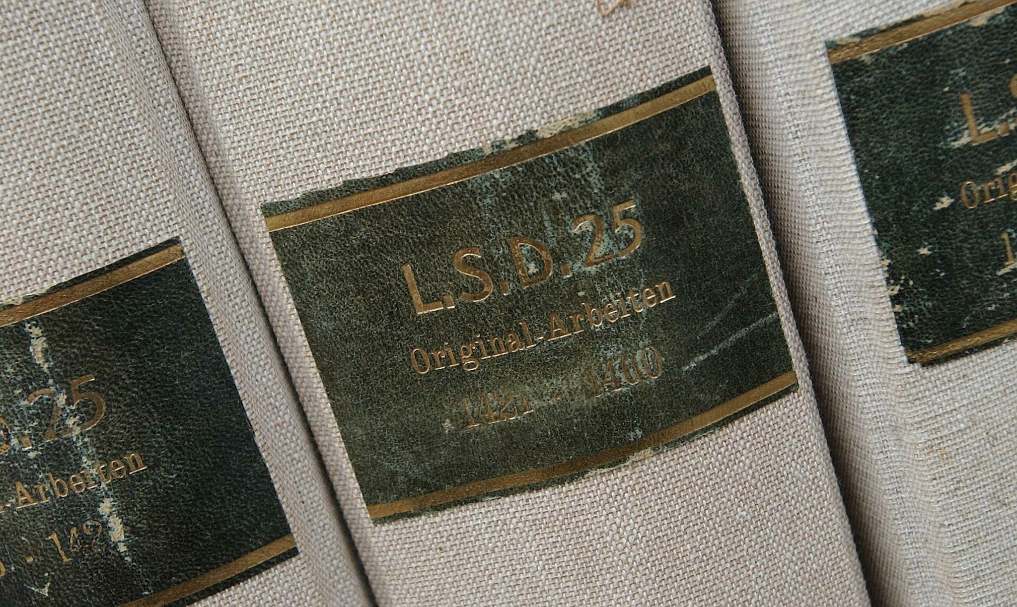 LSD-Ordner aus dem Archiv von Albert Hofmann, Foto: Roger Liggenstorfer