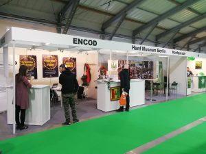 ENCOD, das Hanf Museum, die Hanfparade und der Deutsche Hanfverband päsentieren sich auf internationale Messen wie die Cannafest Messe in Prag