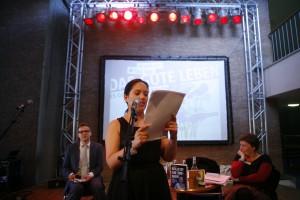Jacinta Nandi liest. Foto: David Oliveira