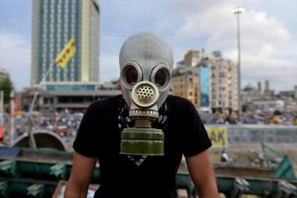 gasmaske-istanbul2013