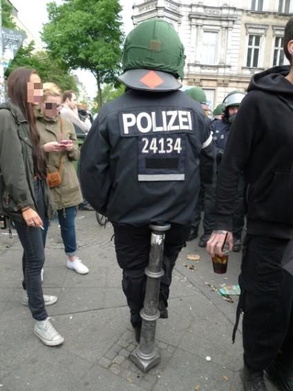 stummer und nicht-stummer-polizist