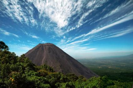 izalco-vulkan-tanamatales.com