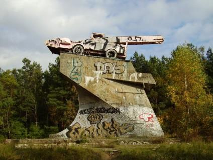 panzerdenkmal-dreilinden-panzer-nahmen-russen-mit