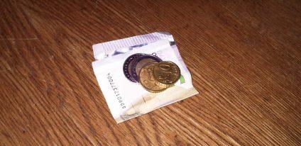 Der Erlös: 9,60 Euro für ein Stück taz-Geschichte