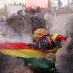 Wasserwerfern getrotzt, Quelle: Los Tiempos