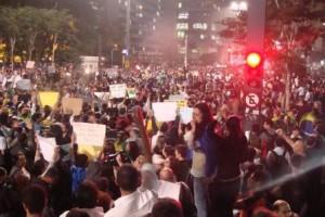 In Brasilien zeigt die Ampel derzeit Rot   Foto: Beat Wehrle