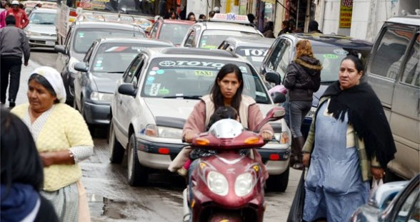 Auf 8 Einwohner kommt in Cochabamba ein Fahrzeug, die nicht nur zum Transport dienen Quelle: Los Tiempos
