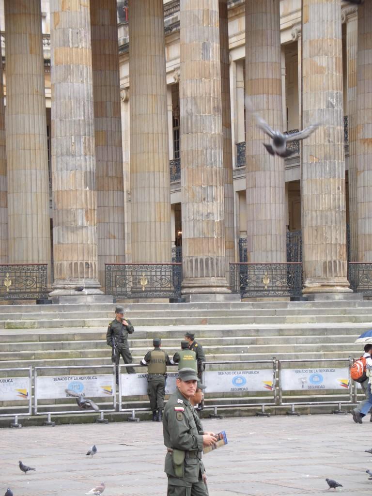 Das Militär gibt in Kolumbien den Ton an - nicht nur vor dem Parlament