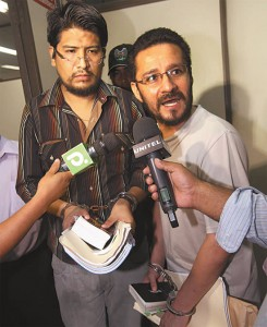 Zwei Rechtsanwaelte und fruehere hochrangige Funktionaere des Innenministeriums muessen sich gegen den Vorwurf der Erspressung verteidigen Quelle: El Deber