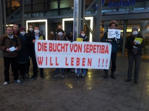 03-Thyssenkrupp-HV-Bochum2013-foto-KritischeAktionaere-1