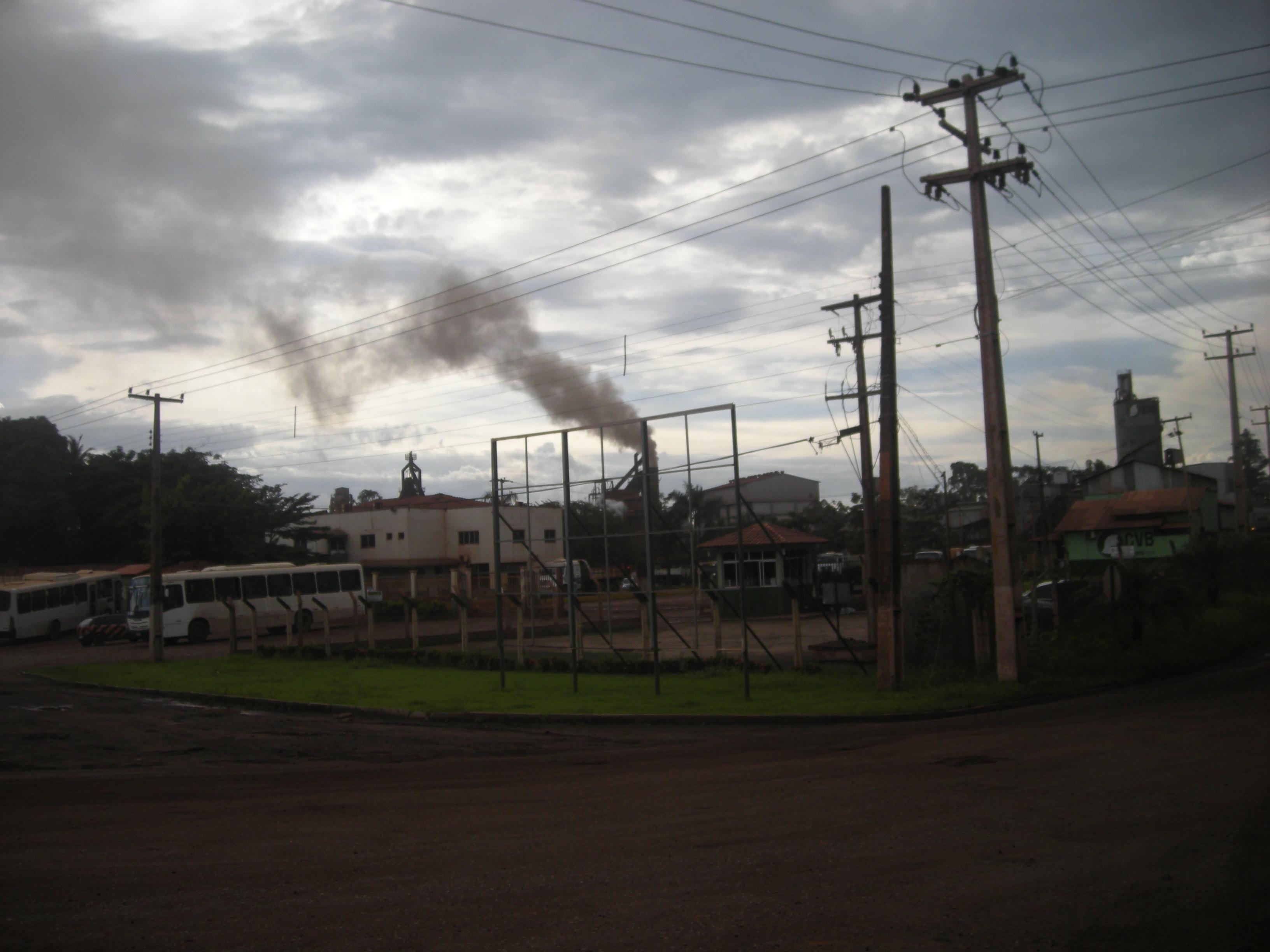 Staub auf Piquiá de Baixo, Brasilien. Foto: Christian Russau