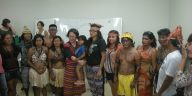 Munduruku übergeben der UN-Sonderberichterstatterin Vicky Tauli-Corpuz ihre politischen Forderungen (März 2016, foto: cr)