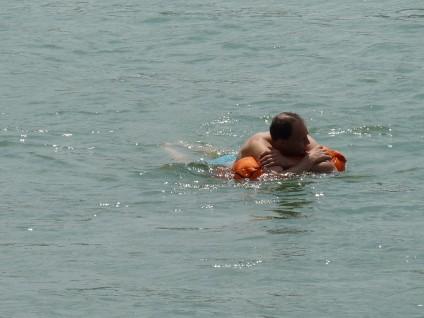 Rheinschwimmer mit Wickelfisch