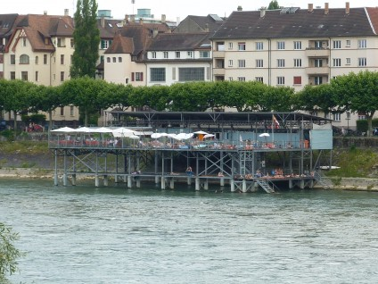 Badhuesli vor der Wettsteinbrücke
