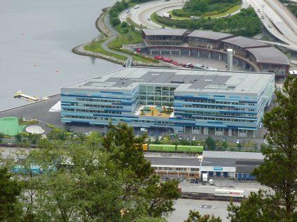 Blick von der Floibahn zur AdO  Arena in Bergen