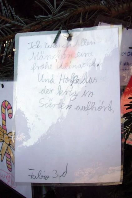 Kinderwunsch: Sürien, Weihnachtsbaum am Breslauer Platz, Foto: Barbara Kalender