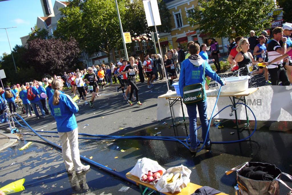 Marathon in Berlin, Breslauer Platz, Foto: Barbara Kalender