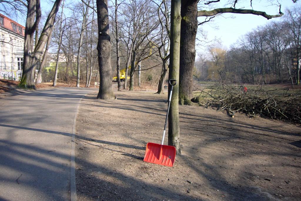 Parkarbeiter im Volkspark Schöneberg, Foto: Barbara Kalender