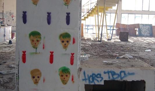 Bombes-et-têtes-de-mort_NOPE_Toulouse-Resto-U