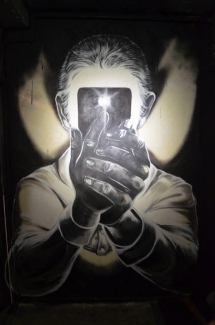 Ale Senso hat in einer verlassenen Wohnung in Mariendorf beeindruckende Kunstwerke an die Wand gebracht
