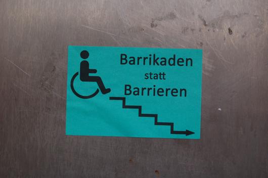 Barrikaden_statt_Barrieren.JPG